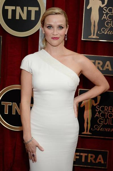 reese-witherspoon-21st-annual-screen-actors-guild-awards-emporio-armani