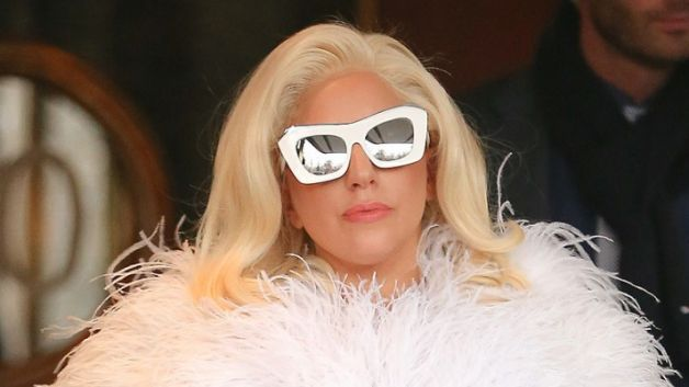 123014-fashion-and-beauty-lady-gaga