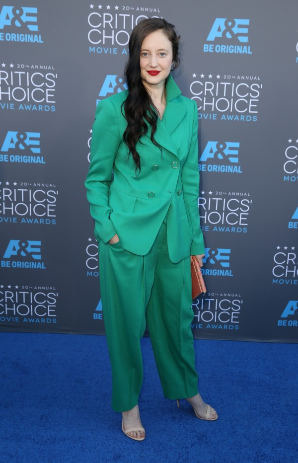 andrea-riseborough-escada-2015-critics-choice-movie-awards
