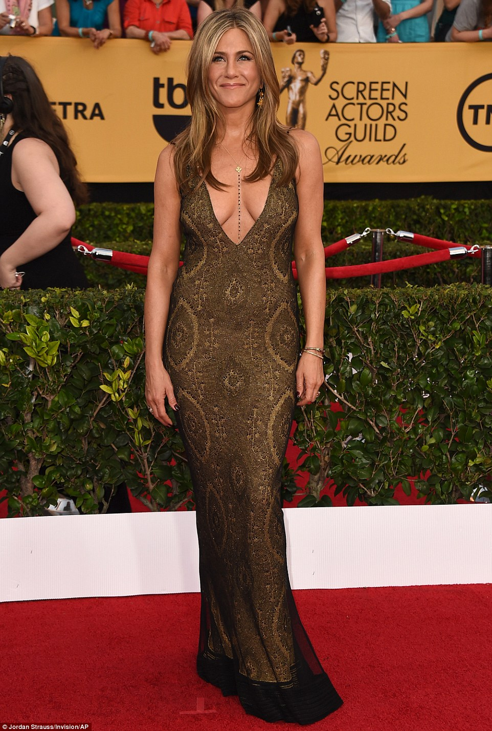 jennifer-aniston-vintage-john-galliano-2015-sag-awards