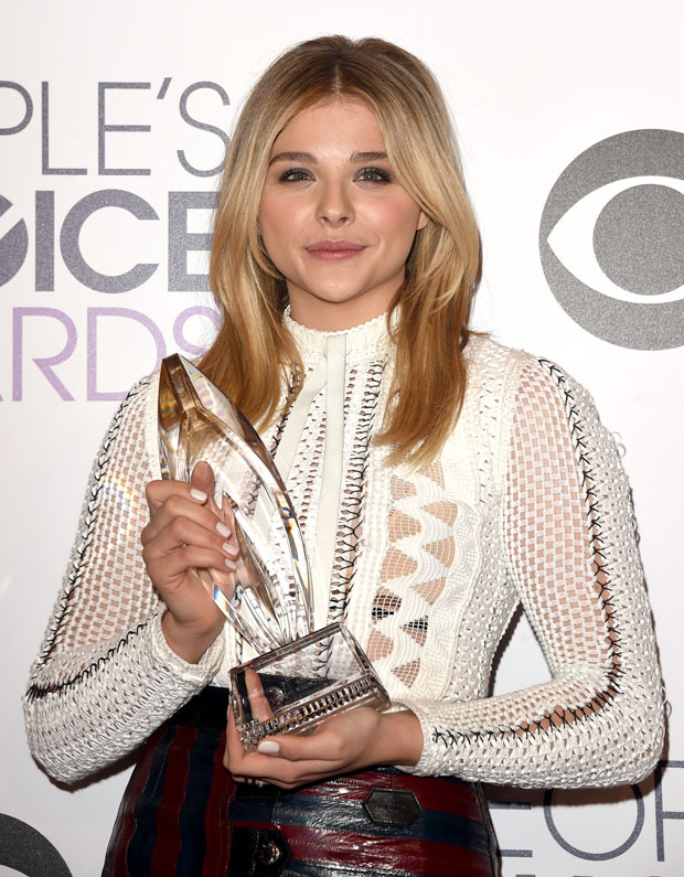 chloe-grace-moretz-louis-vuitton-2015-peoples-choice-awards