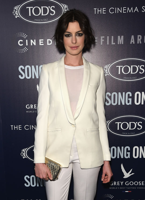 anne-hathaway-iro-theory-song-one-new-york-premiere/