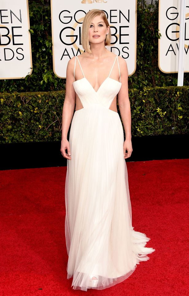 Actress-Rosamund-Pike-arrives-to-the-72nd-Annual-Golden-Globe-Awards-held-at-the-Beverly-Hilton-Hotel-on-January-11-2015