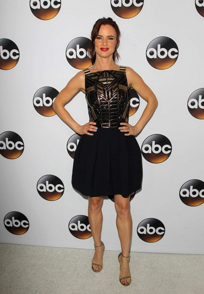 Juliette-Lewis-Disney-and-ABC-Television-Groups-TCA-Winter-Press-Tour-2015-03-662×953