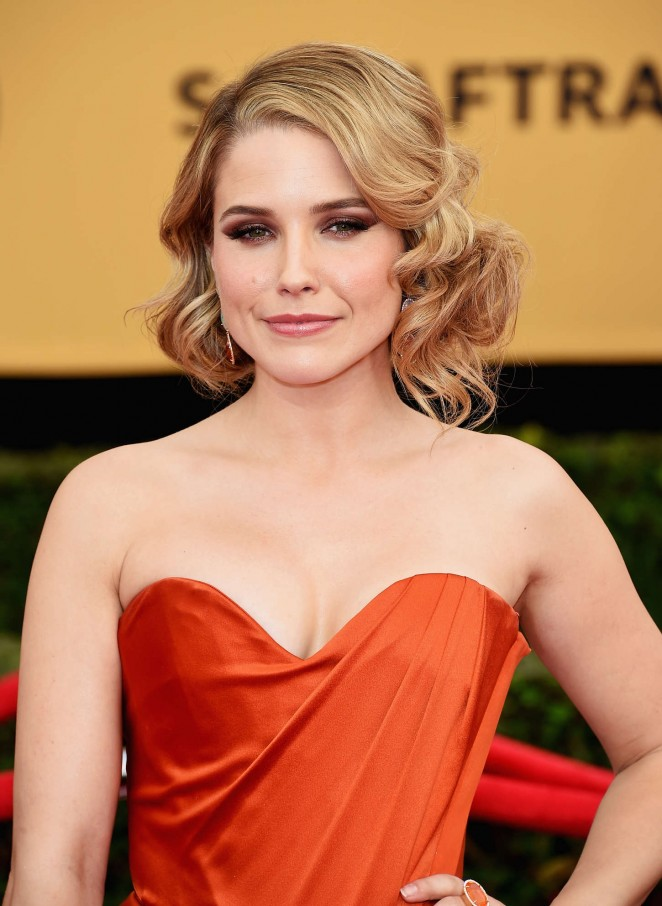 Sophia-Bush--2015-Golden-Globe-Award-Season