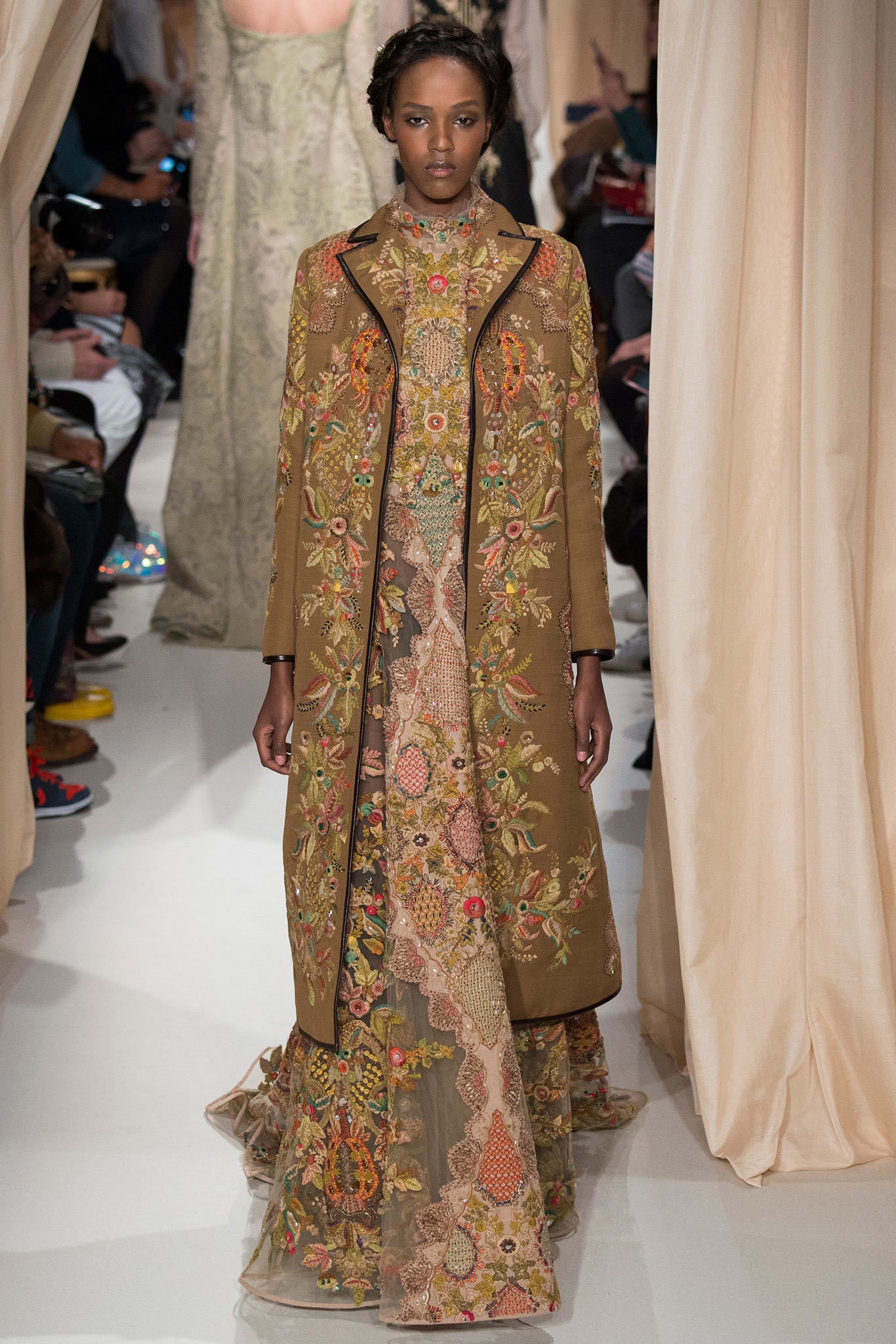 valentino-haute-couture-spring-2015-runway-photos