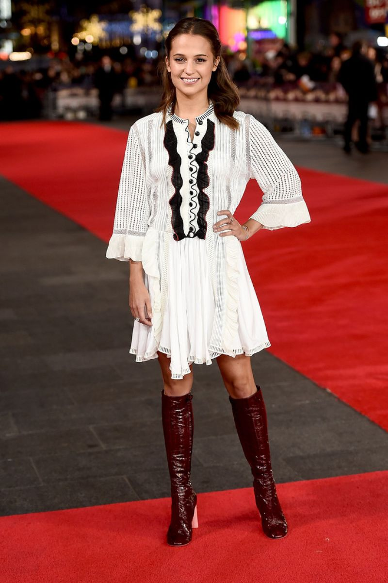 louis vuitton youth. alicia-vikander-testament-of-youth-premiere-in-london_1 louis vuitton youth i