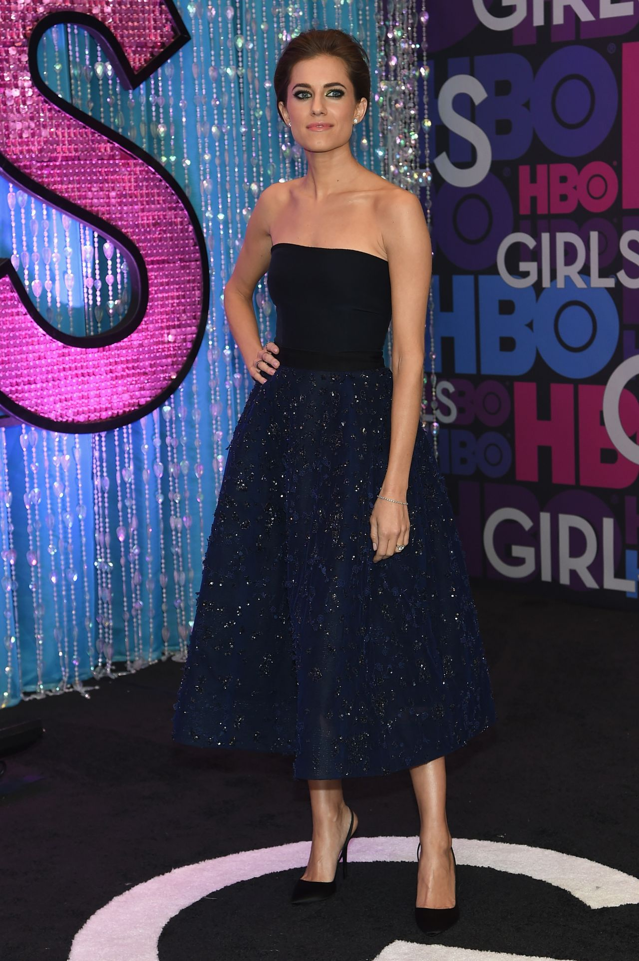 allison-williams-monique-lhuillier-girls-season-four-premiere/