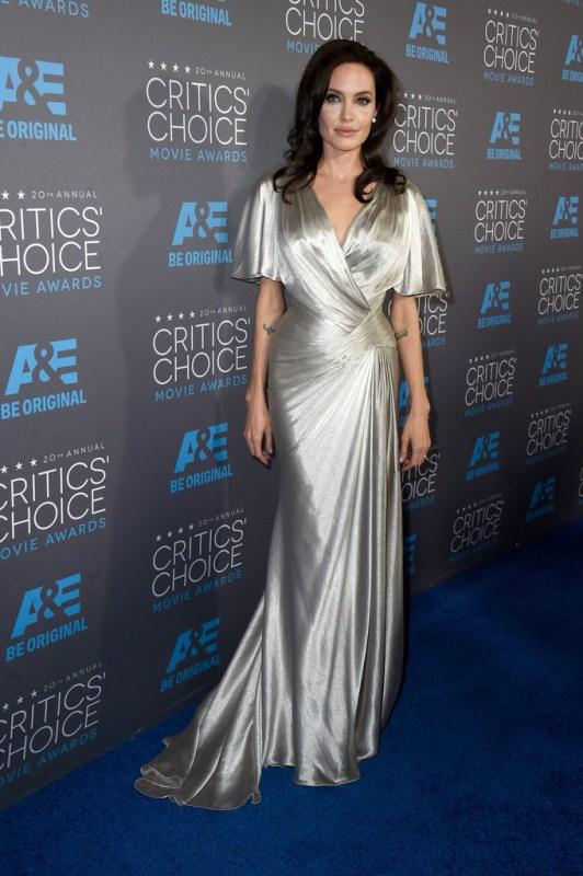 angelina-jolie-critics-choice-movie-awards-versace