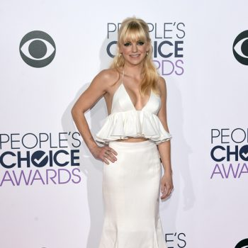 anna-faris-peoples-choice-awards-2015