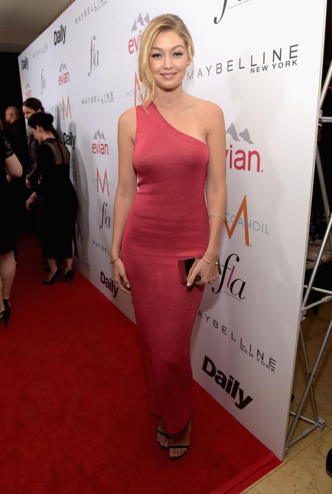 gigi-hadid-DAILY-FRONT-ROW-Fashion-Los-Angeles-Awards-XLYYSXcUJlsx-672×1000
