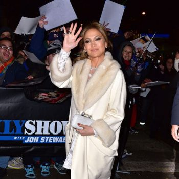 jennifer-lopez-coat-4-h724