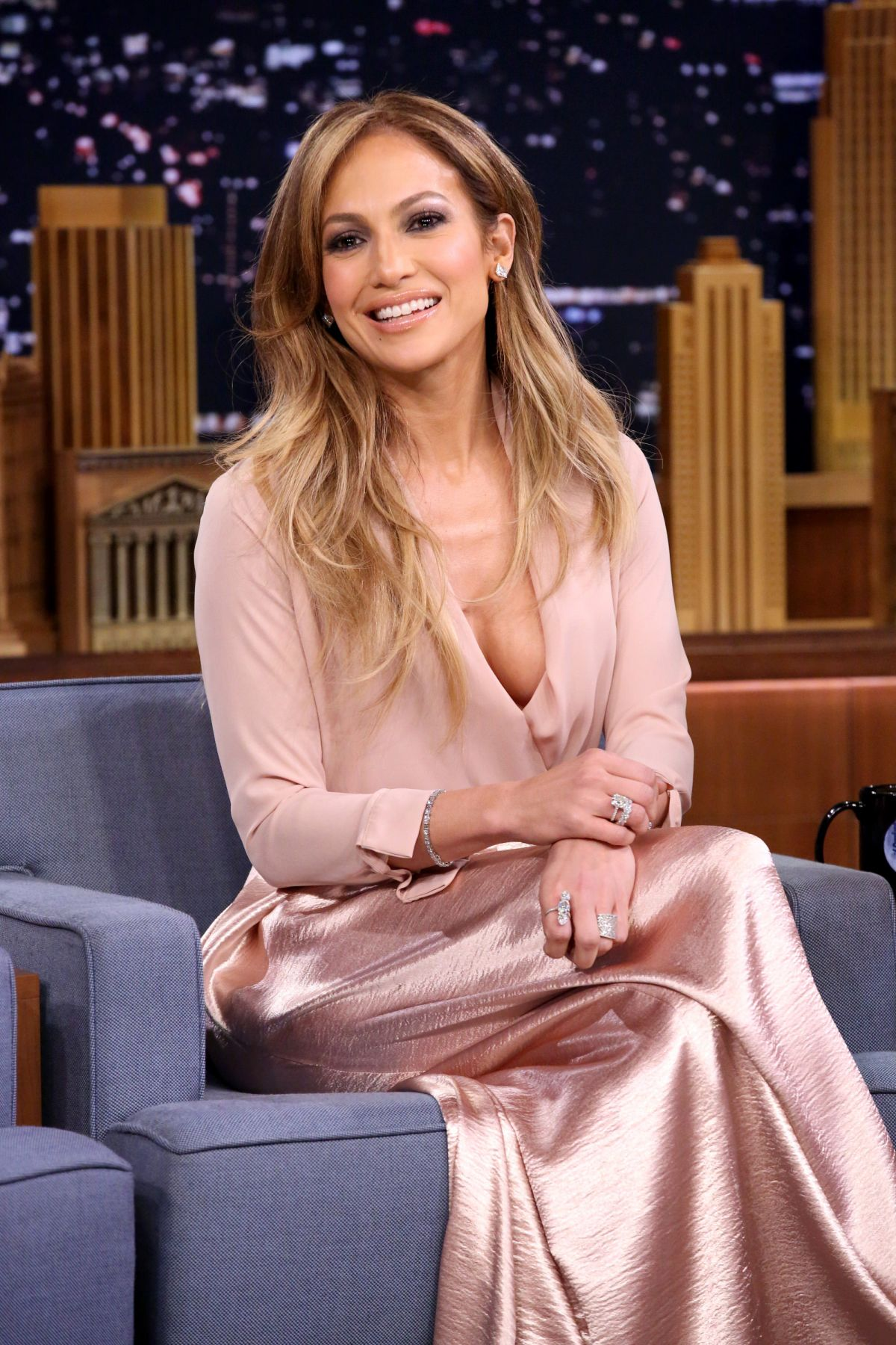 jennifer-lopez-guesting-at-the-tonight-show-starring-jimmy-fallon-in-new-york-city_1