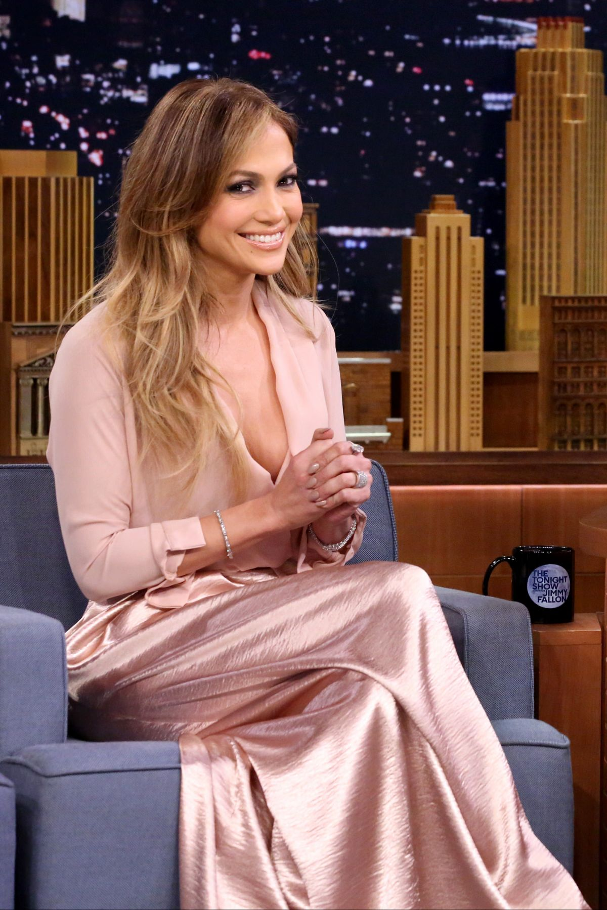 jennifer-lopez-guesting-at-the-tonight-show-starring-jimmy-fallon-in-new-york-city_4