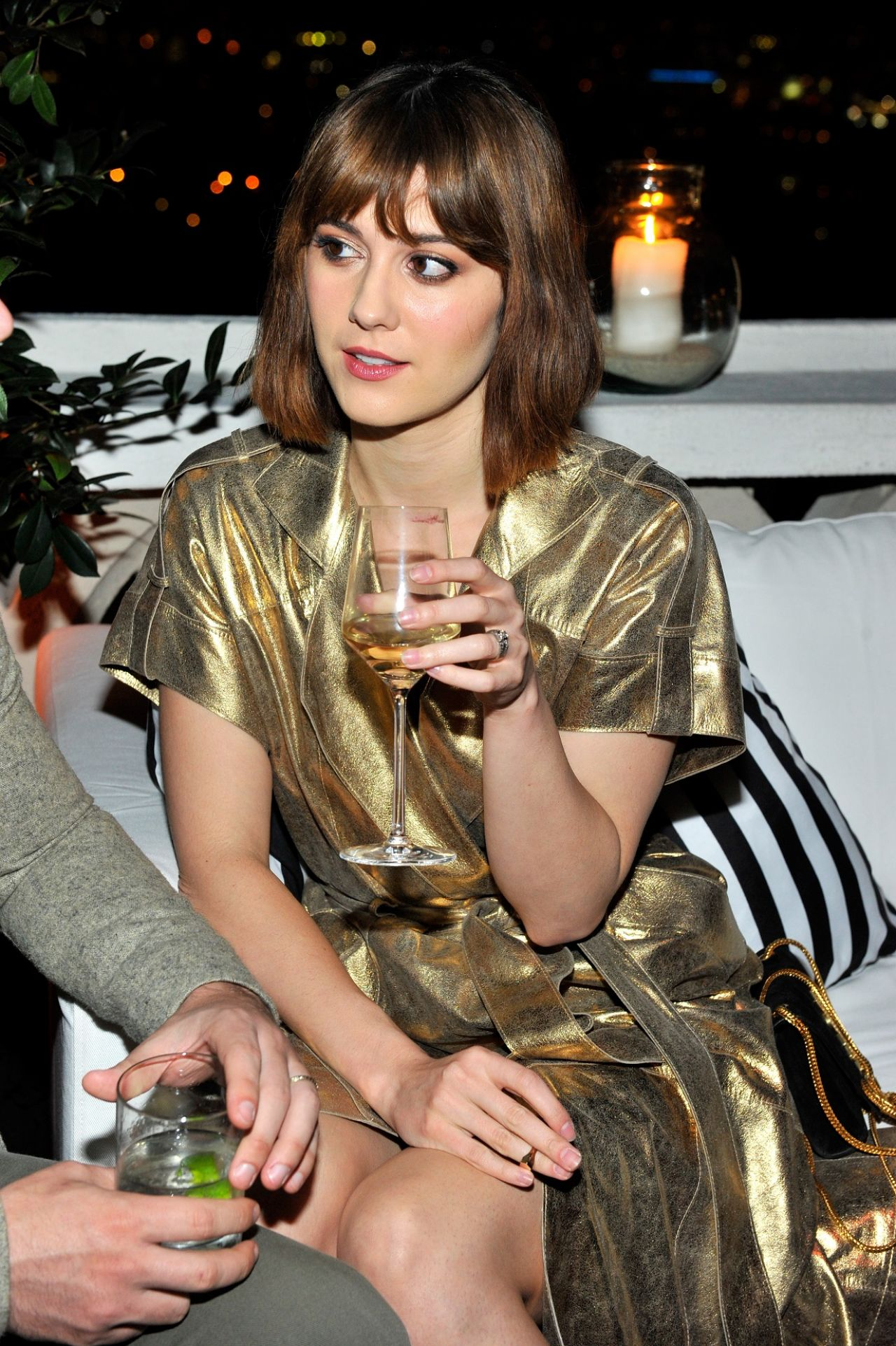 mary-elizabeth-winstead-w-magazine-celebrates-golden-globes-week-2015-in-los-angeles_1