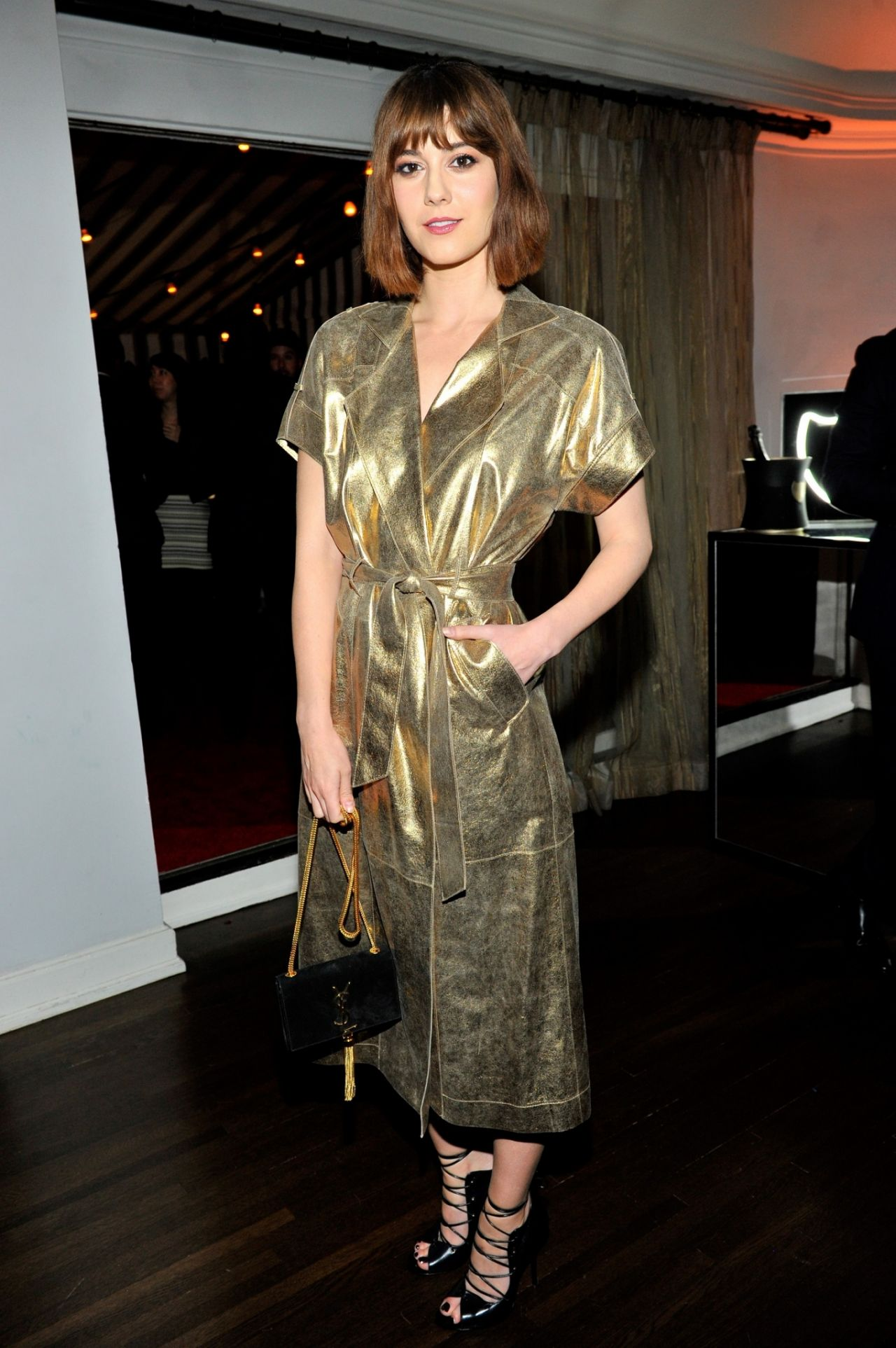 mary-elizabeth-winstead-w-magazine-celebrates-golden-globes-week-2015-in-los-angeles_3