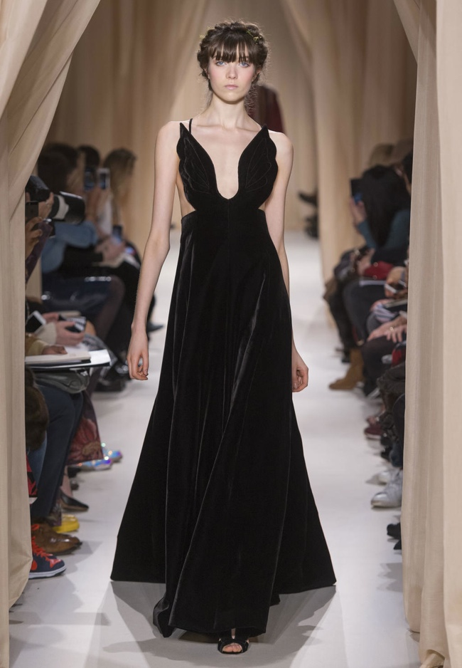 valentino-haute-couture-spring-2015-runway-photos01