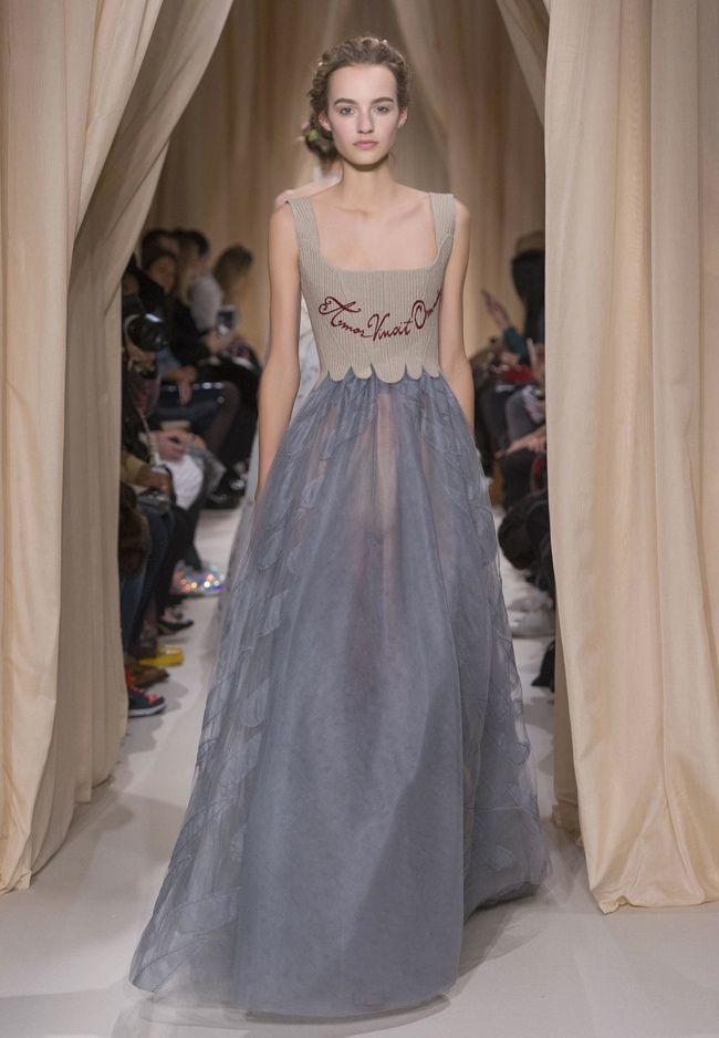 valentino-haute-couture-spring-2015-runway-photos04