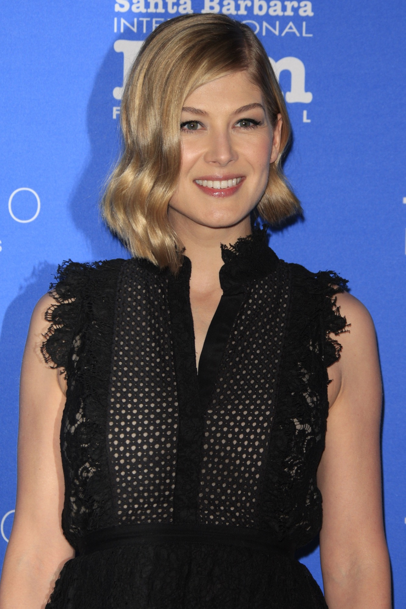 rosamund-pike-erdem-virtuoso-awards-30th-santa-barbara-international-film-festival
