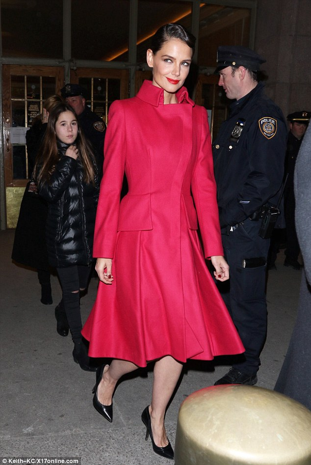 Katie -Holmes - attends - Zac -Posen- Fashion -Show- in- NYC