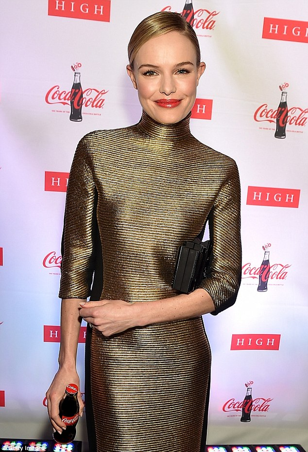 kate-bosworth-angel-sanchez-coca-cola-bottle-american-icon-100-exhibition