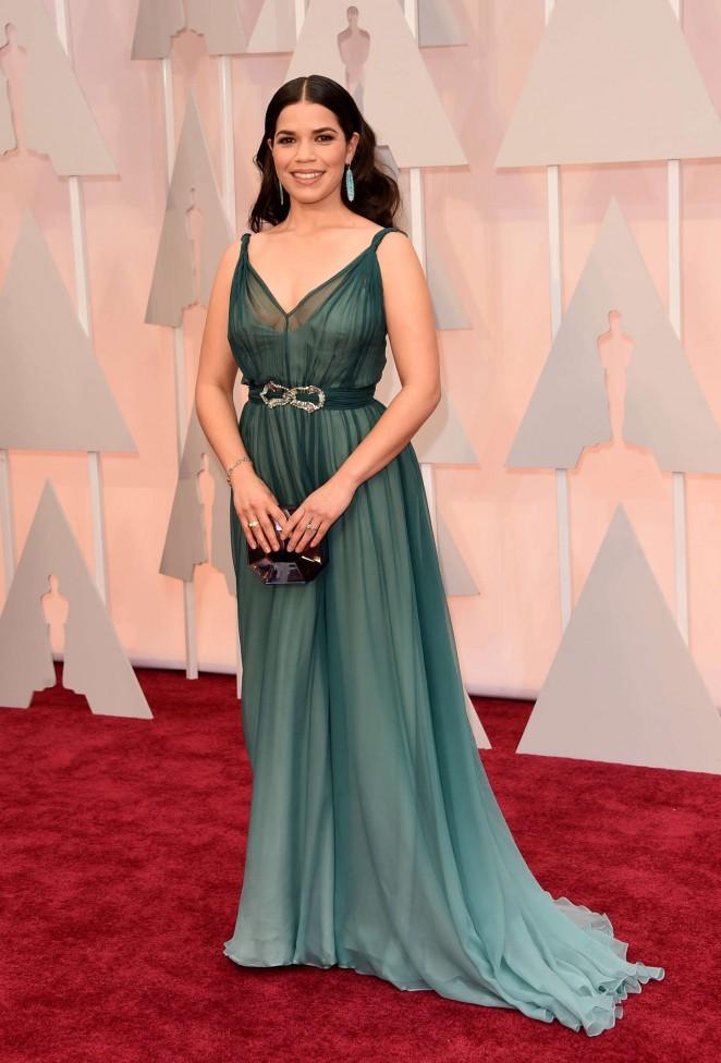 America-Ferrera--2015-Oscars--03-662x976