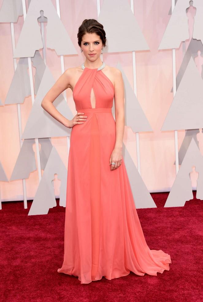 Anna-Kendrick-2015-Oscars-03-662×985