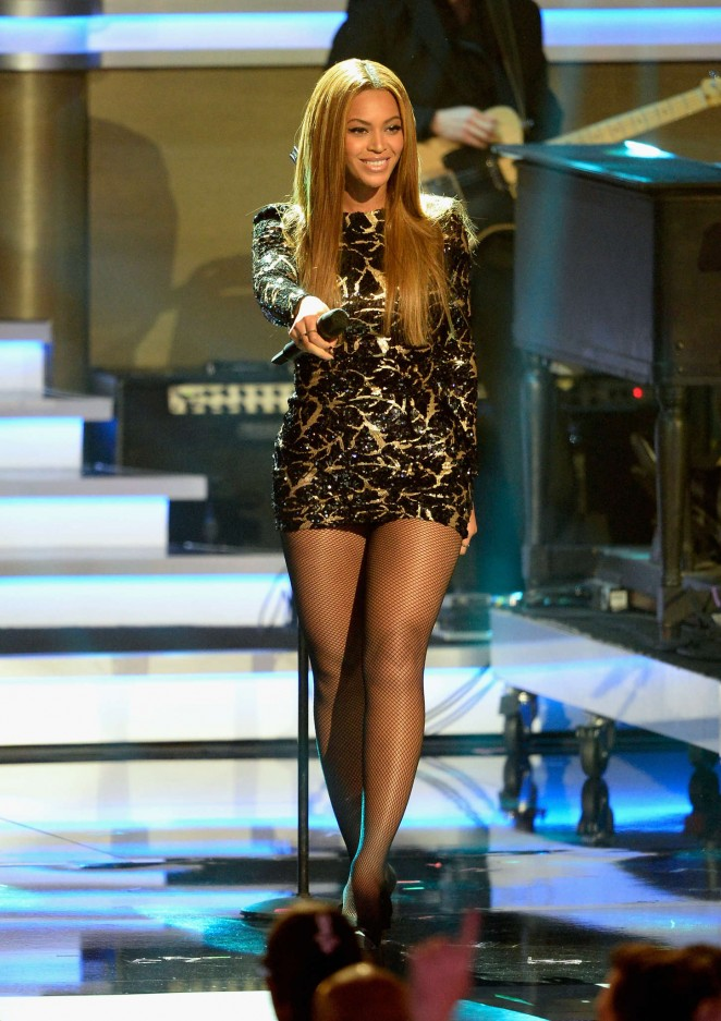 Beyonce Knowles In Michael Costello At Stevie Wonder