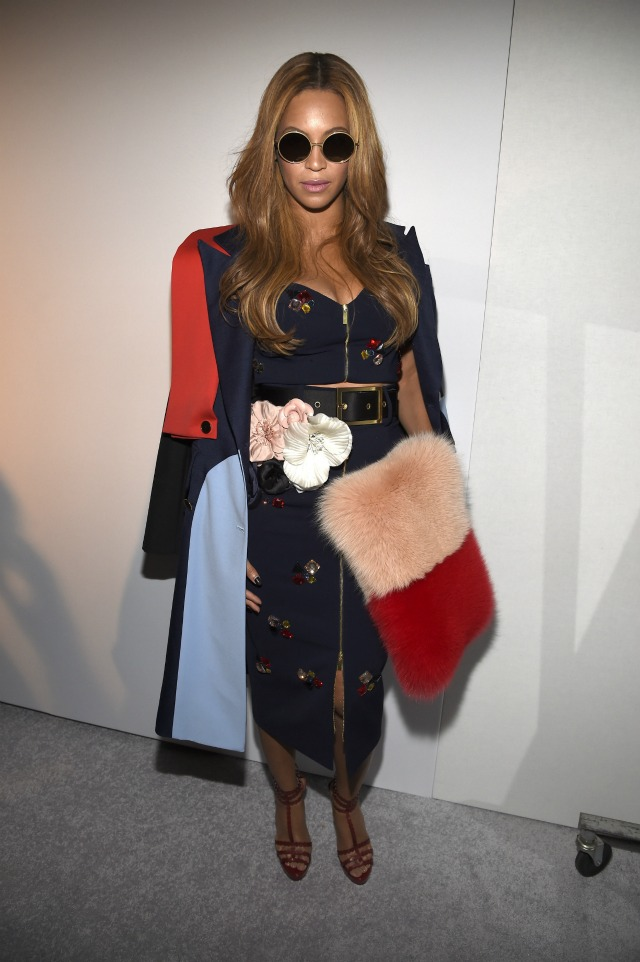 Beyonce-at-adidas-Originals-x-Kanye-West-Yeezy-Season-1-NYFW-2015-show-2