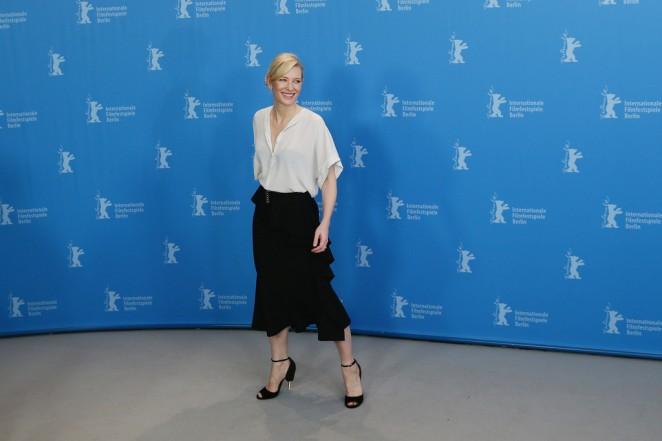 cate-blanchett-givenchy-cinderella-berlin-film-festival-photocall