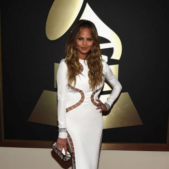 Chrissy-Teigen-2015-GRAMMY-Awards-02-662×996