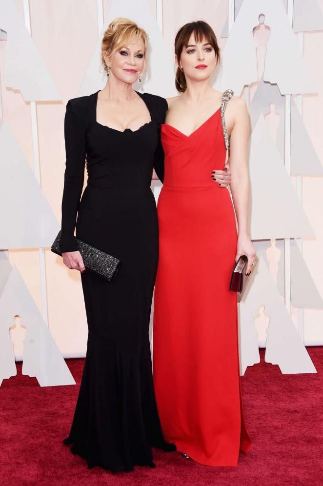 Dakota-Johnson--2015-Oscars--