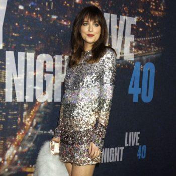 Dakota-Johnson-2015-SNL-Anniversary-Special-17-662×1040