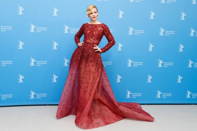 elizabeth-banks-elie-saab-couture-love-mercy-berlin-film-festival-premiere