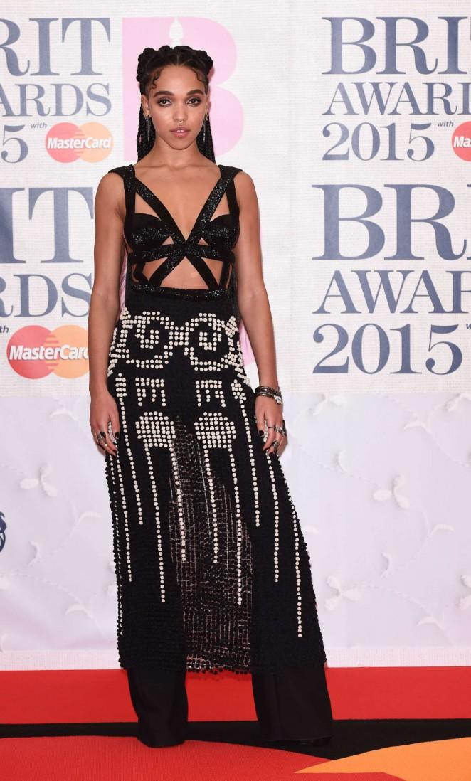 fka-twigs-alexander-mcqueen-2015-brit-awards