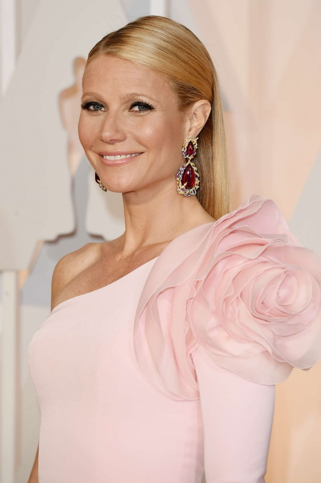 gwyneth-paltrow-ralph-russo-couture-2015-oscars