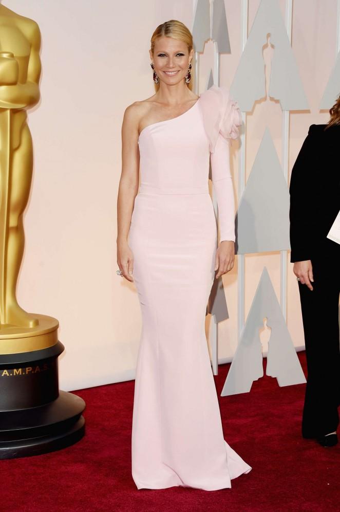 Gwyneth-Paltrow--2015-Oscars--