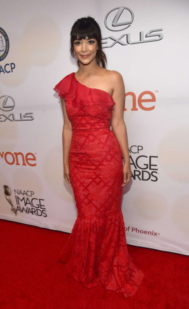 Hannah-Simone--2015-NAACP-Image-Awards--02-662x1084
