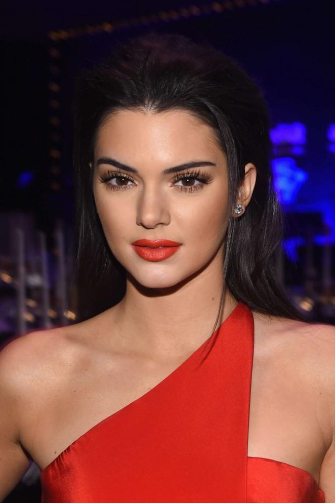 Kendall-Jenner--2015-amfAR-New-York-Gala--