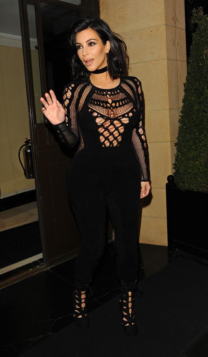 Kim-Kardashian-in-Tight-Jumsuit-18-662×1136