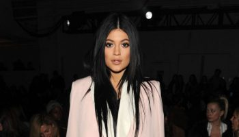 Kylie-Jenner-3-1-Phillip-Lim-Fashion-Show-2015-01-662×1033