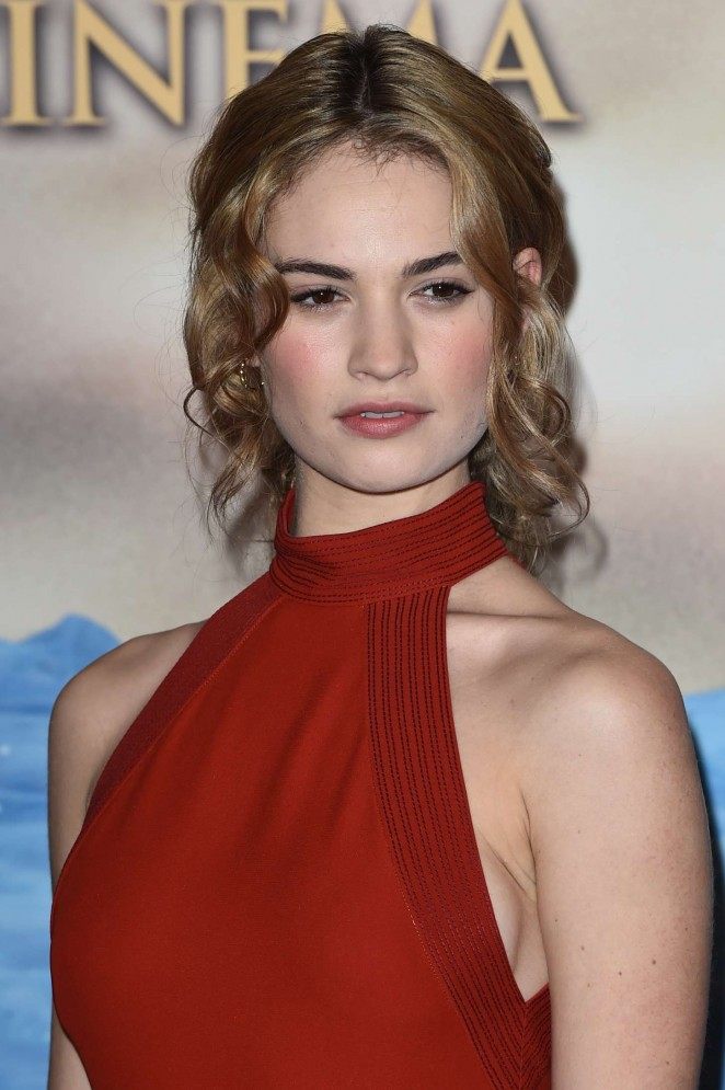 Lily-James--Cinderella-Photocall-