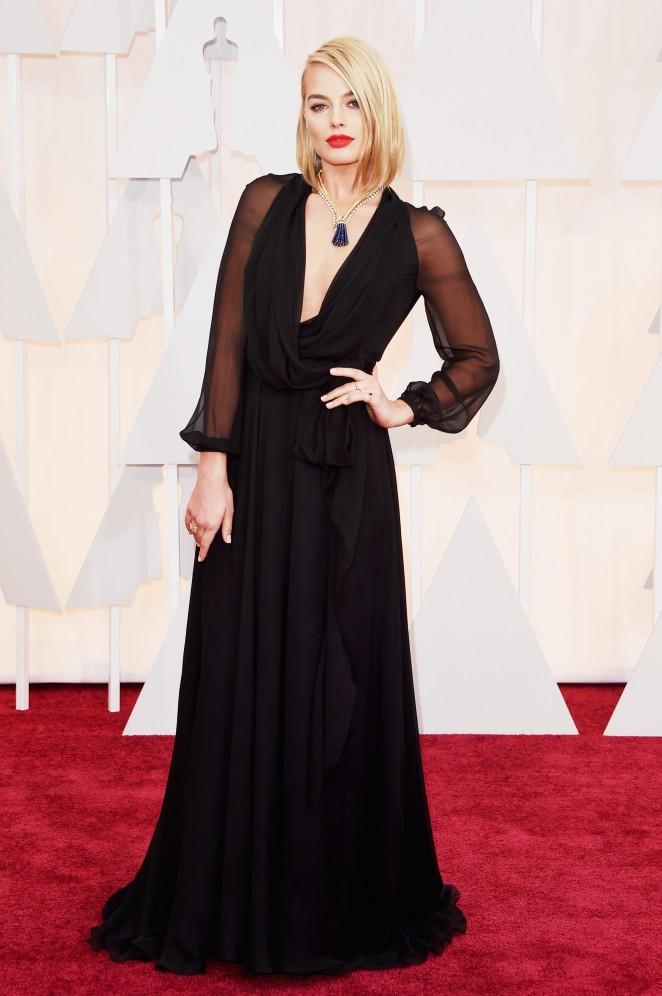 Margot-Robbie-2015-Oscars-02-662×996