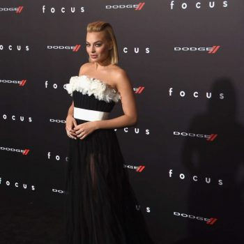 Margot-Robbie-Focus-LA-Premiere-02-662×929