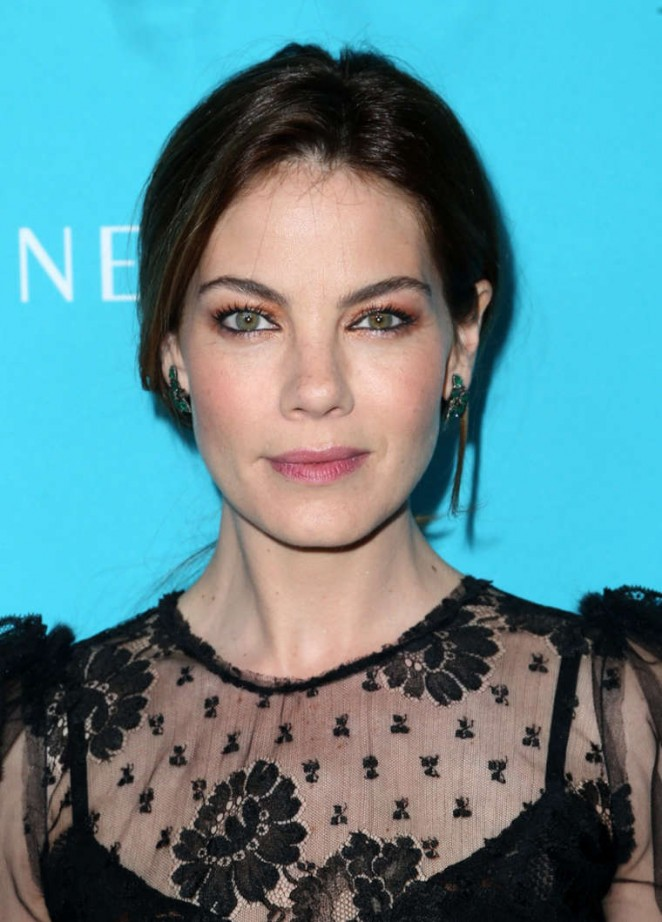 michelle-monaghan-dolce-gabbana-17th-costume-designers-guild-awards