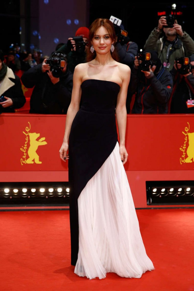 Olga-Kurylenko-Closing-Ceremony-of-2015-Berlin-International-Film-Festival-05-662×992
