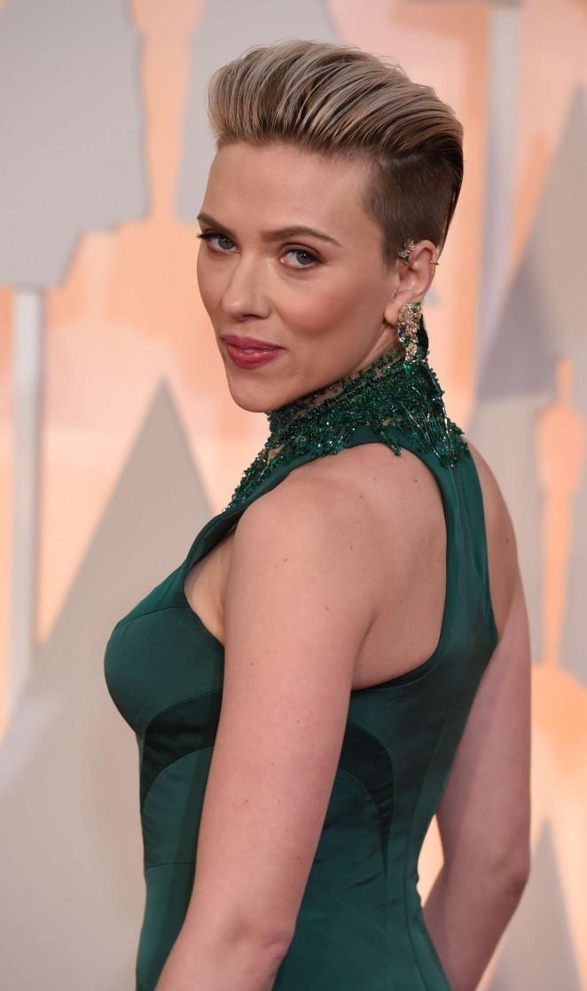 Scarlett-Johansson--2015-Oscars--