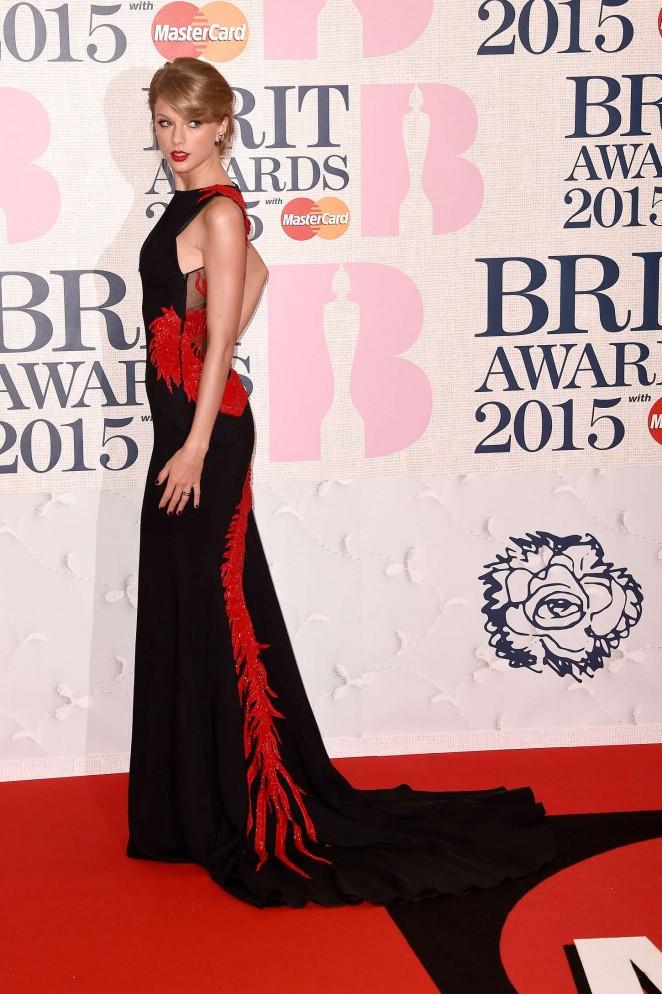 taylor-swift-roberto-cavalli-atelier-2015-brit-awards