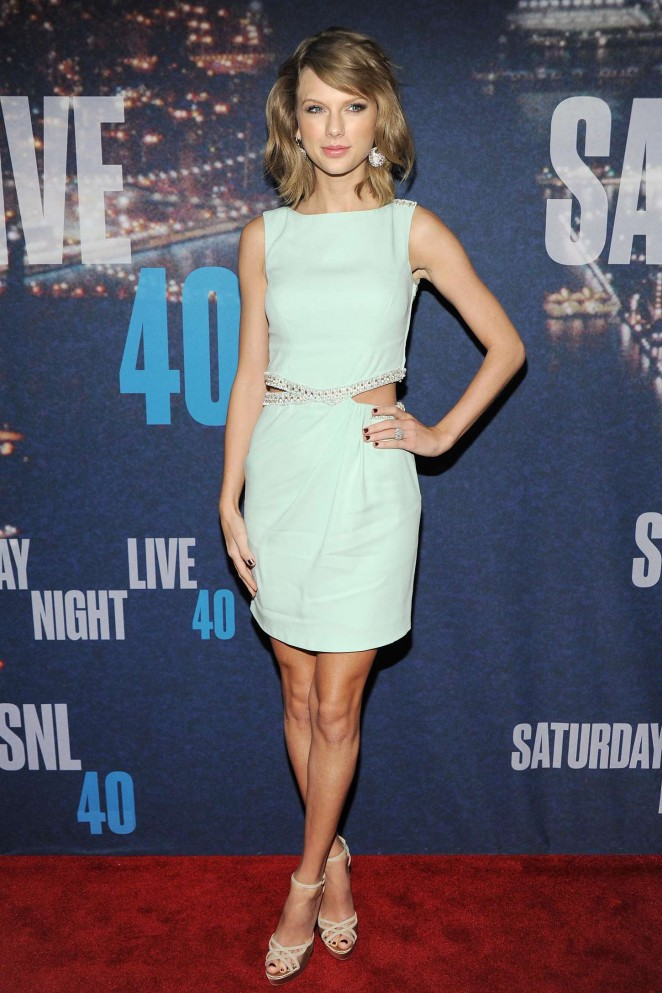 Taylor-Swift-2015-SNL-Anniversary-Special-02-662×993
