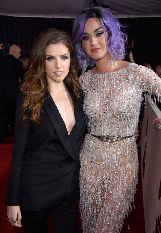 Katy Perry and Anna Kendrick